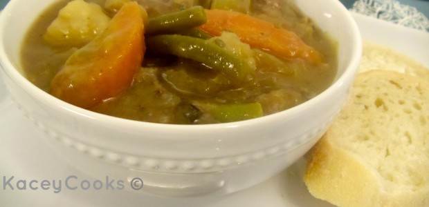 SImple and delicious one pot beef stew! Organic and GMO-Free. Perfect comfort food from #Real Food Gril: Unmodified