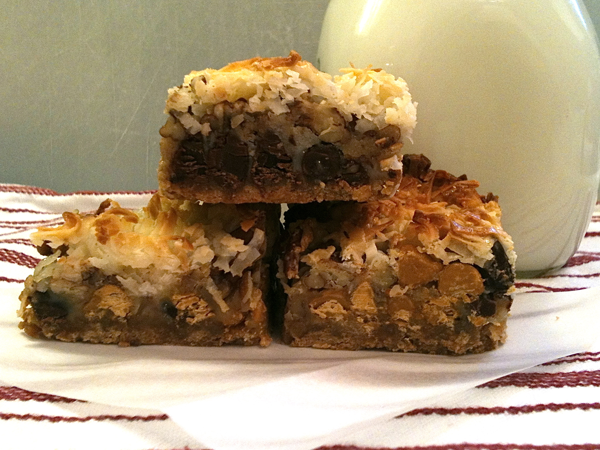 Yet another favorite dessert bar of mine. 7-Layer bars! Easy to make and easy to love! #Real Food Girl: Unmodified
