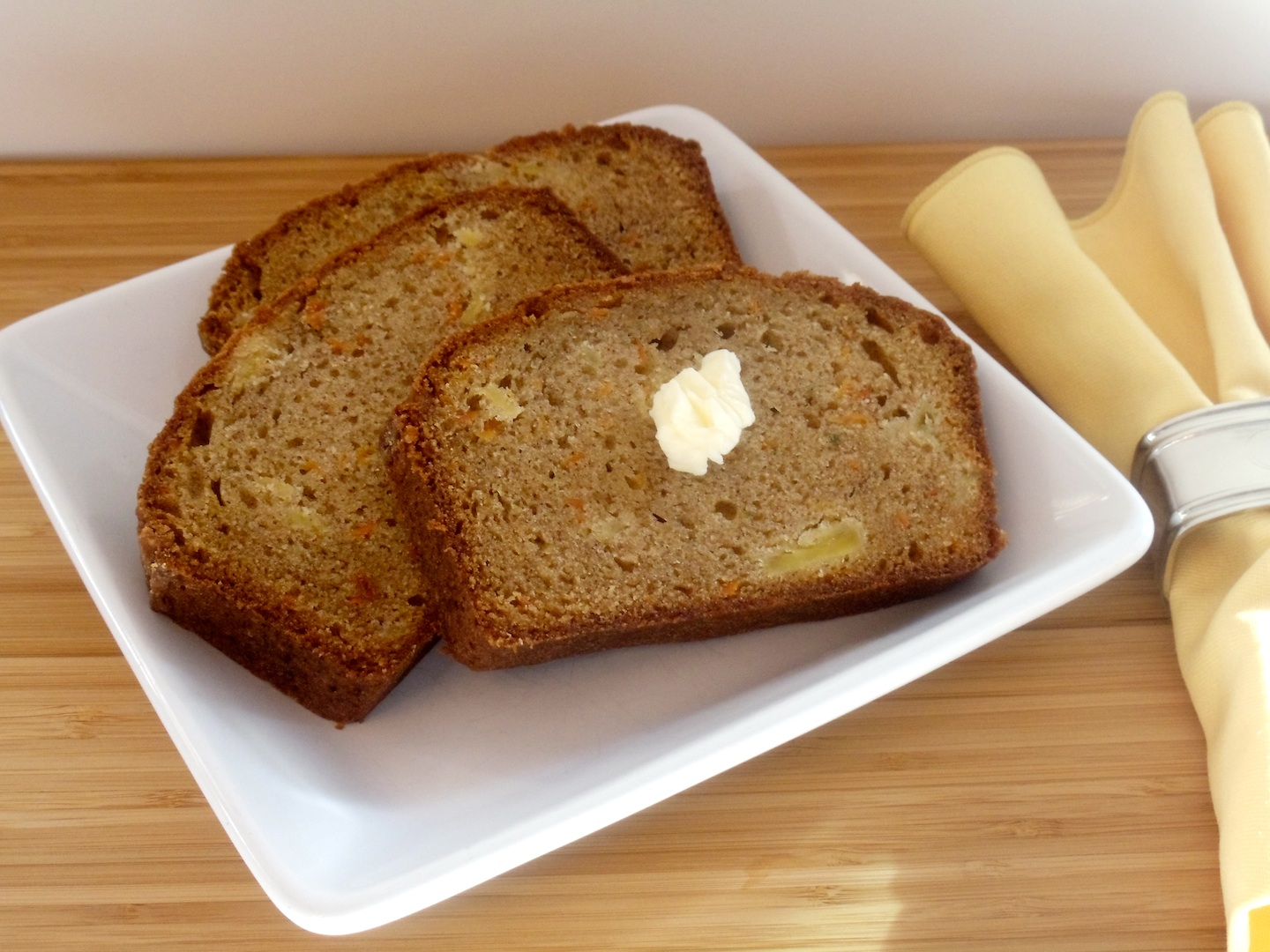 One of my favorite quickbread recipes. I love carrot cake, and this comes close but doesn't contain raisins! You must try my Carrot Pineapple Bread! #Real Food Girl: Unmodified