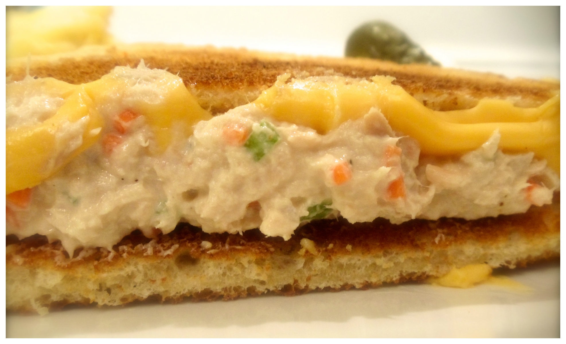 Who doesn't love a tuna melt? You know you do! Try my tuna- it's anything but boring! #Real Food Girl: Unmodified