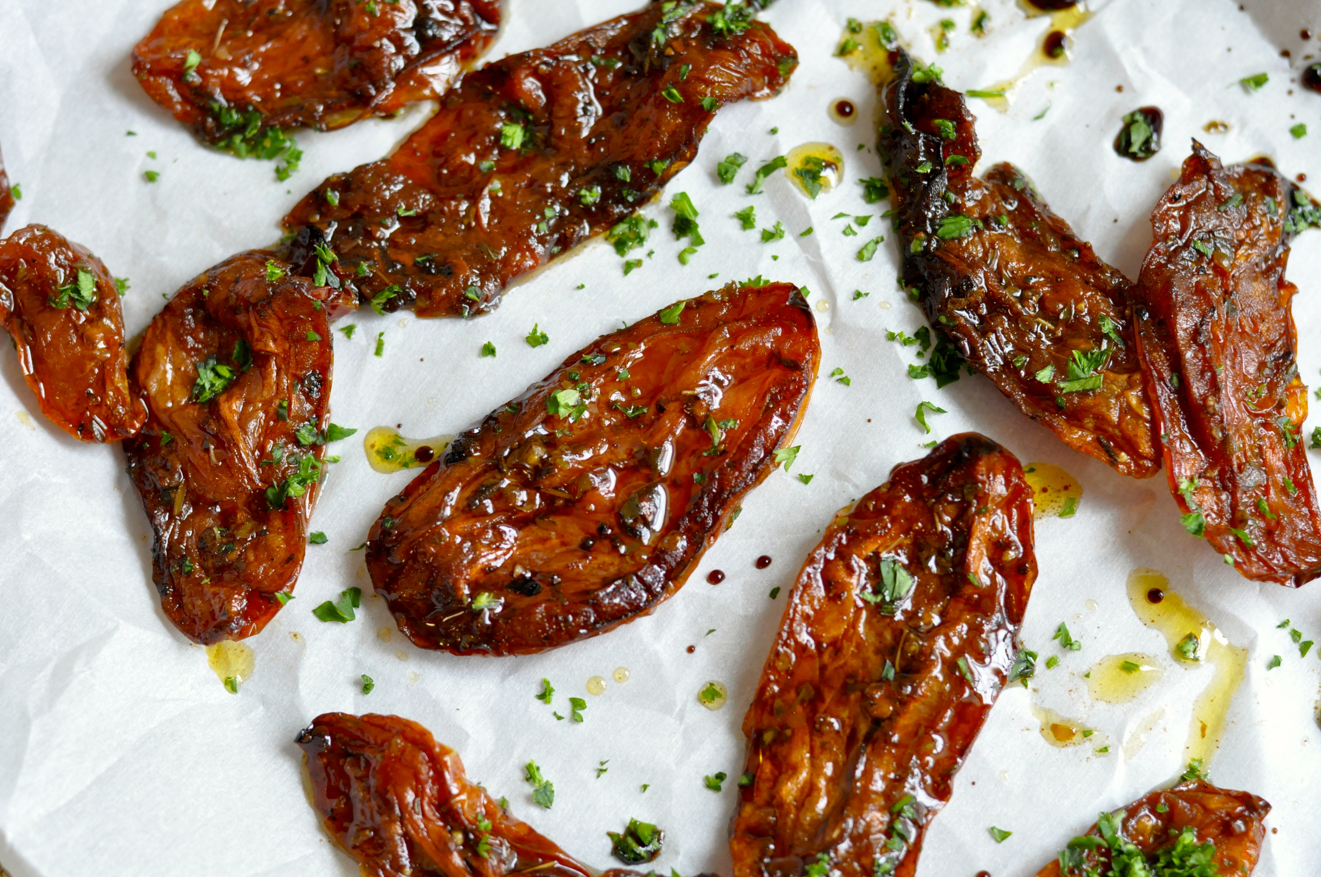 Real Food Girl: Unmodified Balsamic Roasted Tomatoes- Gotta make these!